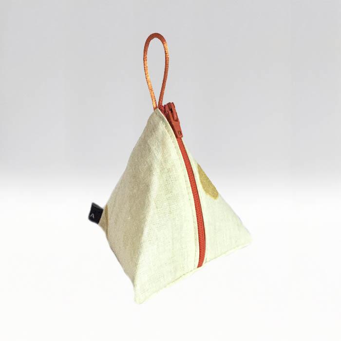 Tetra –Guldprick på beige botten - menskoppen.se
